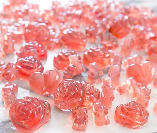 rose-champagne-gummy-bears-19.jpg