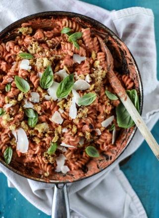 tomato-cream-pasta-I-howsweeteats.com-4.jpg